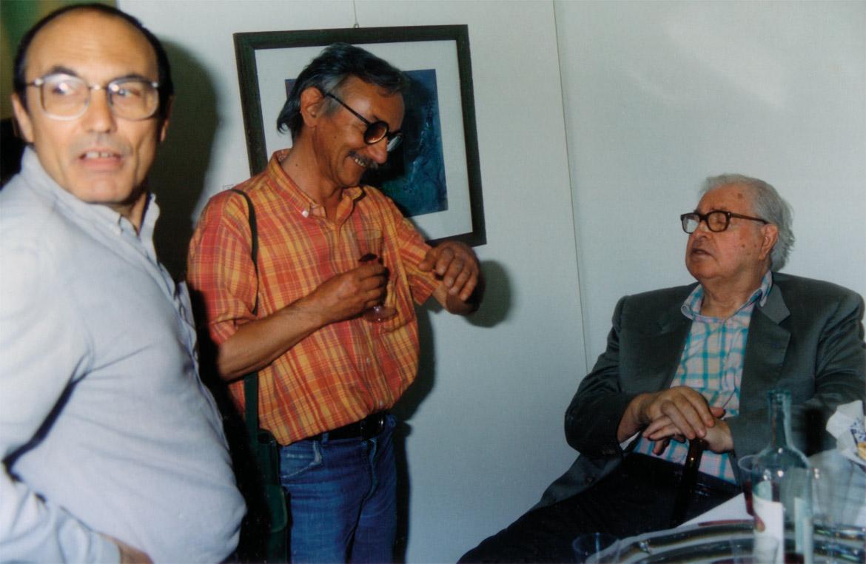 Da sinistra: Giorgio Seveso, Luigi Volpi e Mario De Micheli, Milano, Galleria Ciovasso, primi anni '90