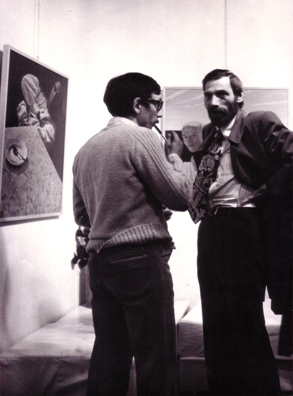 """Luigi Volpi (a sinistra) e Giovanni Bellinzoni, Lodi, Galleria """"Il Gelso"""", 1973"""