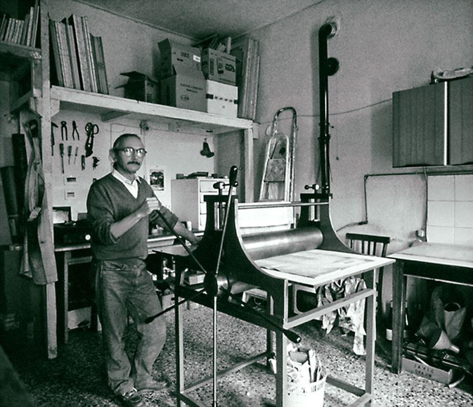 Luigi Volpi nello studio di via XX Settembre - Lodi - metà anni 2000