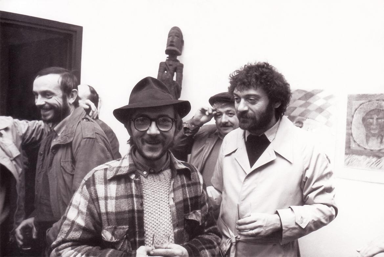 Da sinistra, Adelio Maronati, Luigi Volpi e Fabrizio Merisi durante l'inaugurazione di una mostra  - Milano - 1975