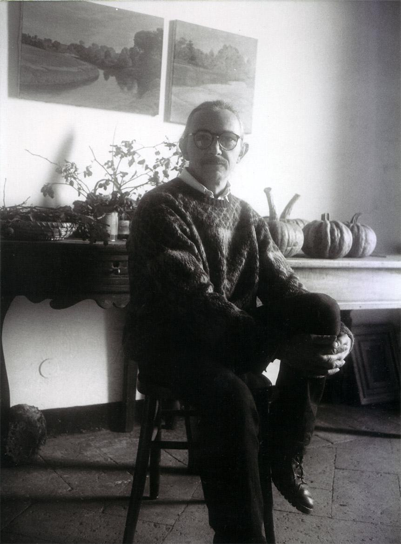 Luigi Volpi nella casa studio di Valbissera, San Colombano al Lambro - anni '90